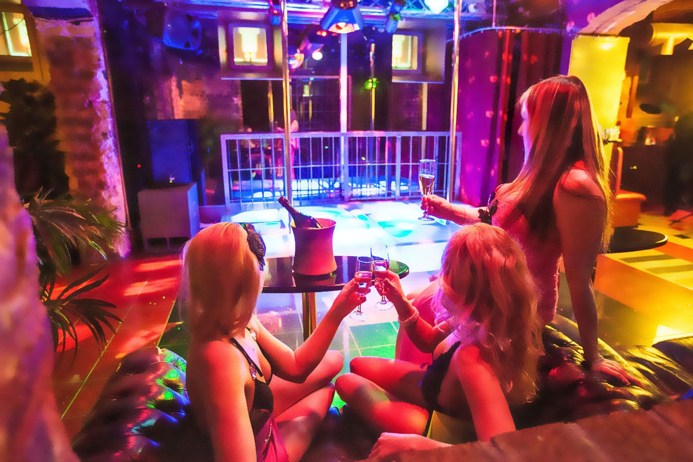 Strippers are doing it for themselves
