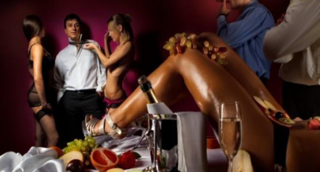 Why men love strip clubs