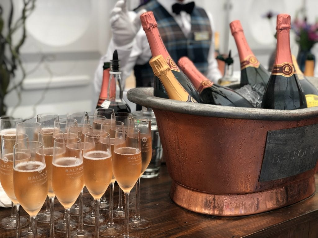 10 Facts that a Champagne Girl needs to Know about Champagne